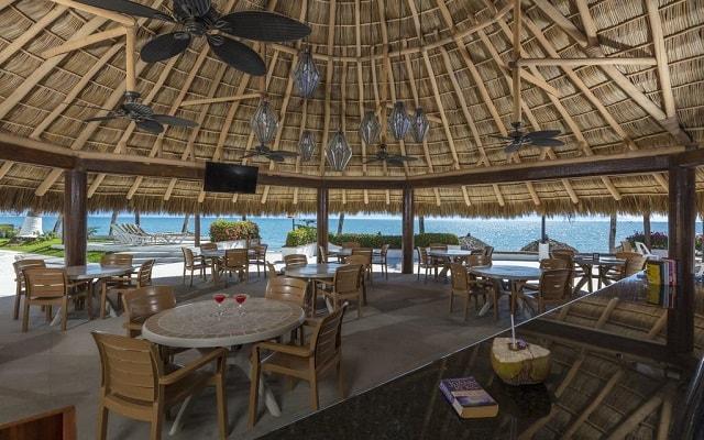 Hotel Vista Vallarta All Suites On the Beach, buena propuesta gastronómica