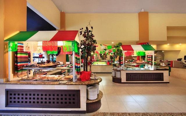 Hotel Viva Wyndham Azteca, rico y variado menú de alimentos