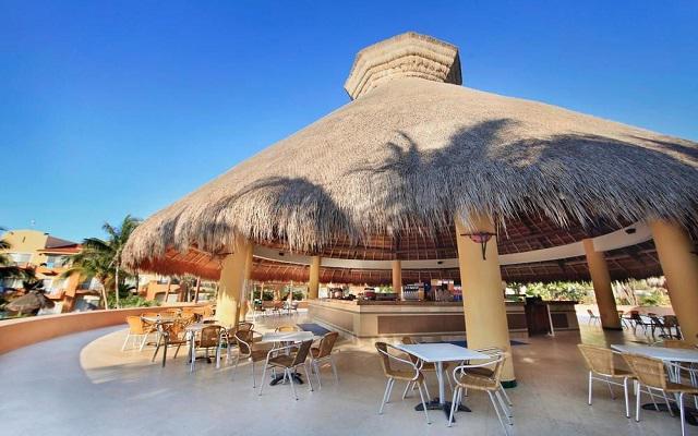 Hotel Viva Wyndham Azteca, disfruta una bebida en la tranquilidad del bar