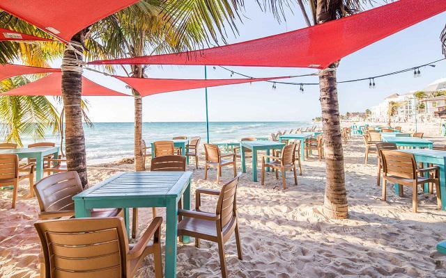 Hotel Wyndham Garden Playa del Carmen, ofrece precios especiales para los huéspedes que desean ingresar al club de playa