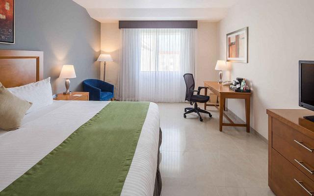 Hotel Wyndham Garden Playa del Carmen, habitaciones con las amenidades necesarias para tu descanso