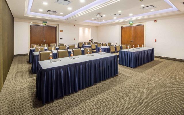 Hotel Wyndham Garden Playa del Carmen, dentro de sus instalaciones hallarás salones de eventos