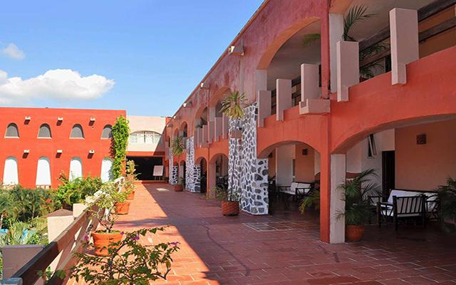 Hotel ZihuaCaracol, arquitectura colonial