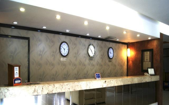 Howard Johnson Plaza Hotel Las Torres, atención personalizada desde el inicio de tu estancia