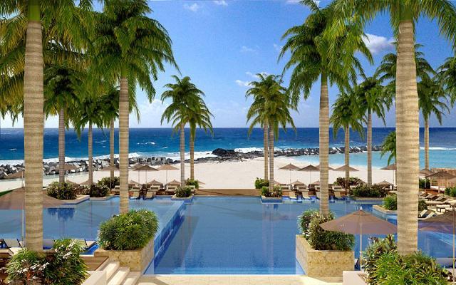 Hotel Hyatt Ziva Cancún, cuenta con tres albercas con cascadas, frente al mar