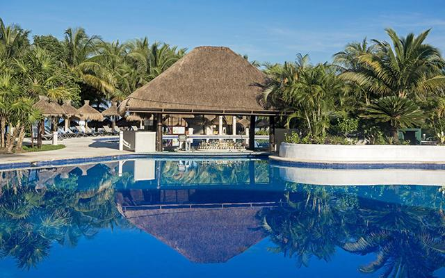 Iberostar Cozumel, disfruta de su alberca al aire libre