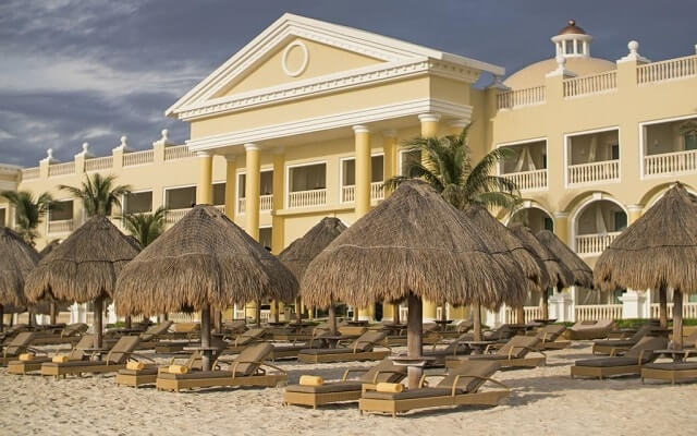 Iberostar Grand Hotel Paraíso, relájate en la playa