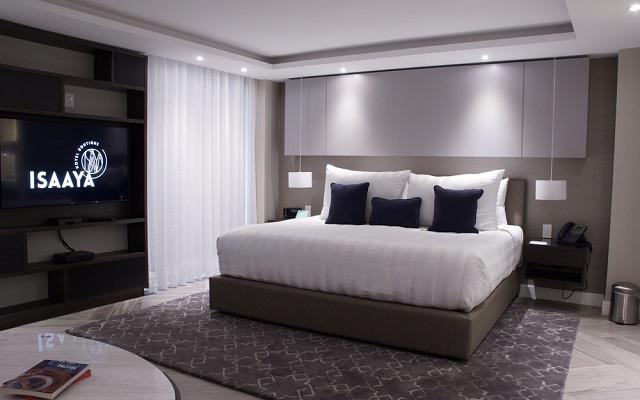 Isaaya Hotel Boutique By WTC posee habitaciones con decoración contemporánea