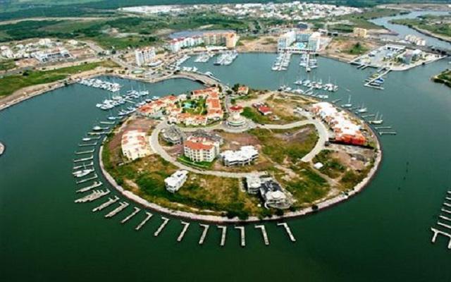 Isla Mazatlán Golden Resort en Isla de la Piedra