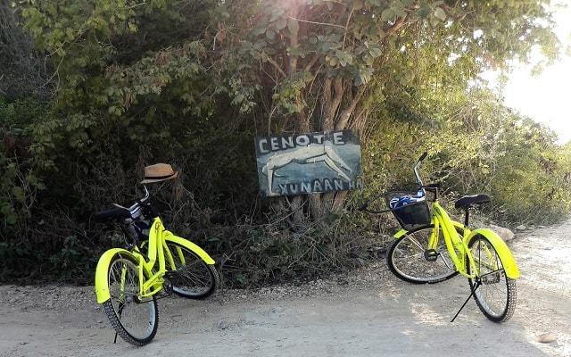 Jungle Secrets Riviera Maya Hotel Suites Boutique, a 500 m de un cenote