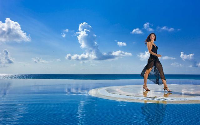 Infinite Pool JW Marriott Cancún