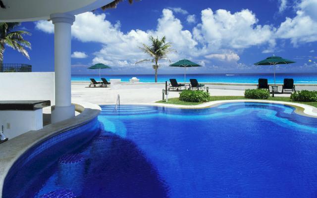 Alberca  JW Marriott Cancún