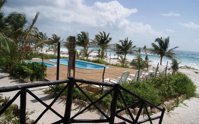 Alberca Los Lirios Hotel Cabañas