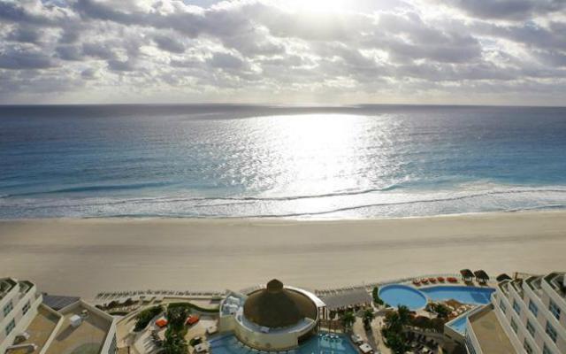 Playa Hotel Me Cancún- Complete Me