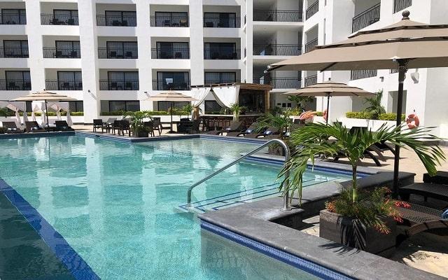 Medano Hotel and Suites, disfruta de su alberca al aire libre
