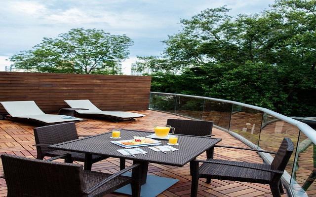 Disfruta de la terraza al aire libre