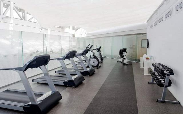 Continúa con tu rutina de ejercicio en el gimnasio