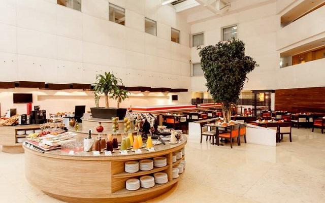 En el restaurante podrás encontrar comida internacional