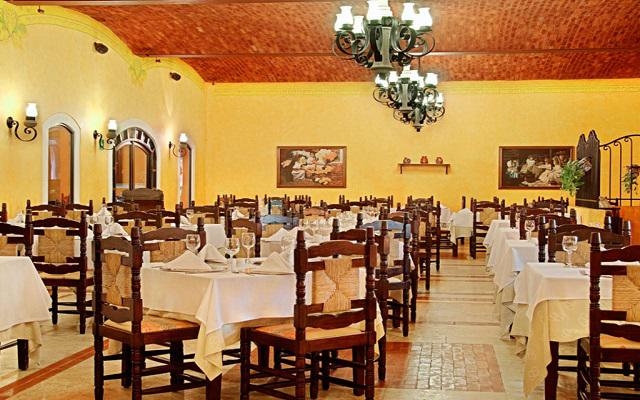 El restaurante la posada ofrece servicio buffet