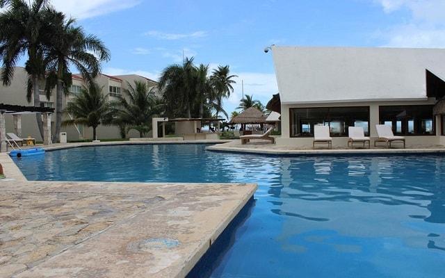 Ocean Spa Hotel, disfruta de su alberca al aire libre