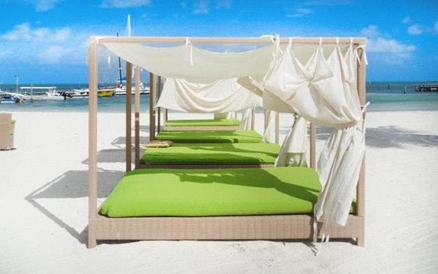 Ocean Spa Hotel, relájate en una cama bali