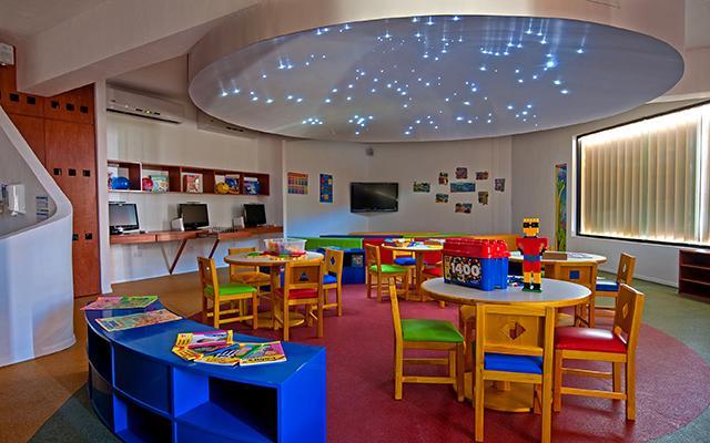 Colorido y ameno ambiente en su Kids Club ¡Los pequeños se fascinarán!