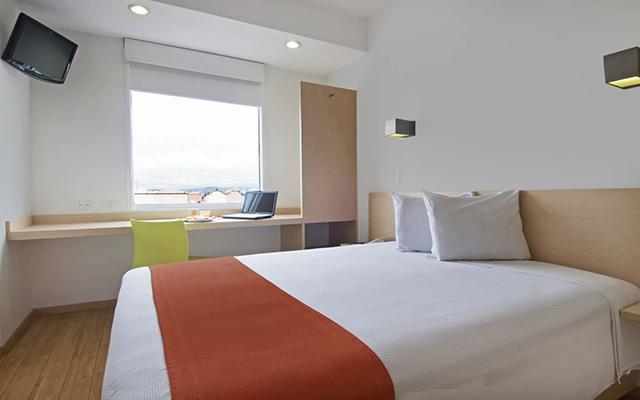Hotel One Toluca Aeropuerto, habitaciones bien equipadas