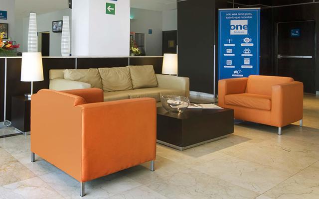 Hotel One Toluca Aeropuerto, atención personalizada desde el inicio de tu estancia