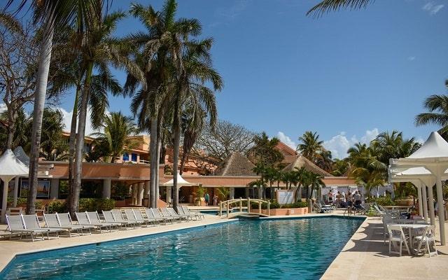 Pa Beach Club & Hotel, disfruta de su alberca al aire libre