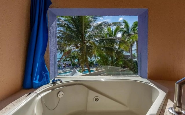 Pa Beach Club & Hotel, relájate en su jacuzzi