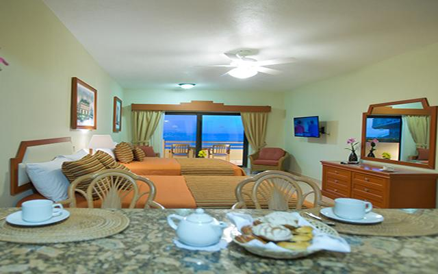 Paradise Village Beach Resort and Spa, habitaciones con todas las amenidades