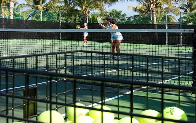 Paradise Village Beach Resort and Spa, cancha de tenis