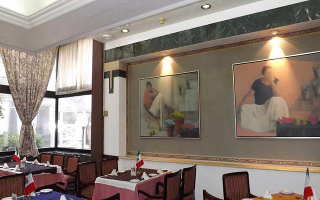 El restaurante Bar Pierre te ofrece un menú de comida internacional