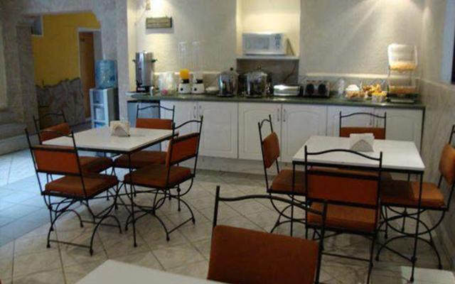 Hotel pequeno gran hotel ofertas de hoteles en for Desayunador pequeno