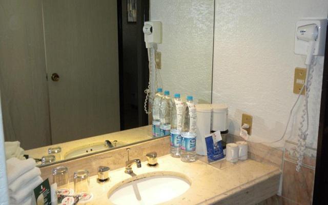 Dispone de un sencillo pero limpio cuarto de baño