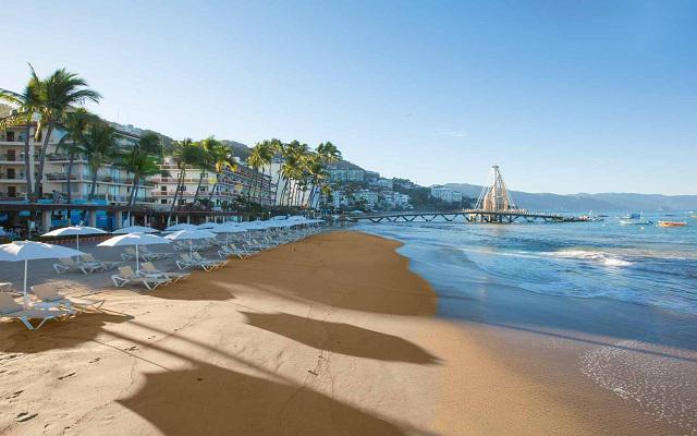 Disfruta de la maravillosa vista que te ofrecen las playas de Puerto Vallarta