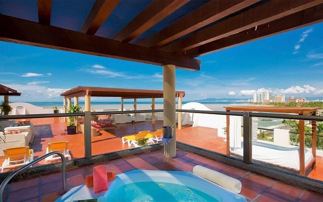 Plaza Pelícanos Grand Beach Resort, espacio de jacuzzis sólo para adultos