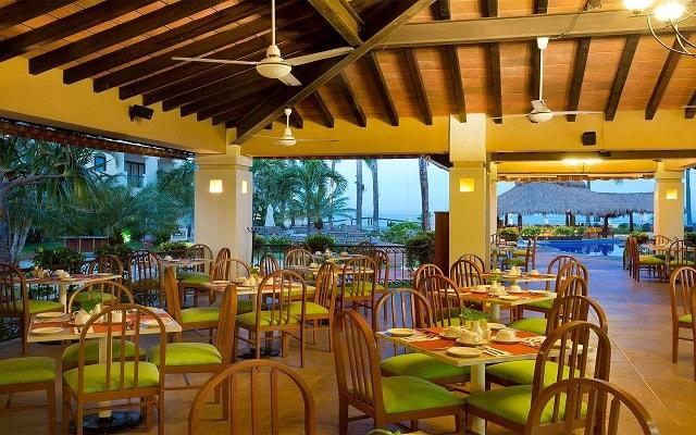 Plaza Pelícanos Grand Beach Resort, Restaurante Las Pérgolas