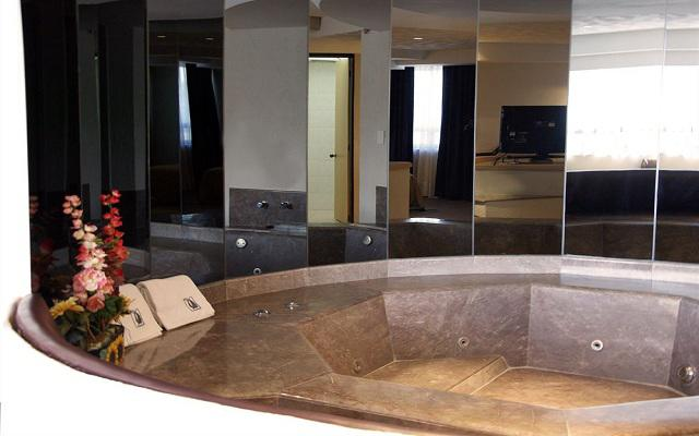 Porto Novo Hotel & Suites, suites con jacuzzi