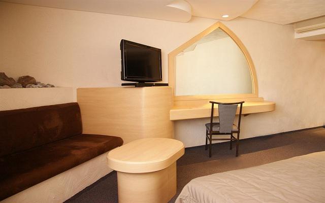 Porto Novo Hotel & Suites, ofrece amplias y equipadas habitaciones