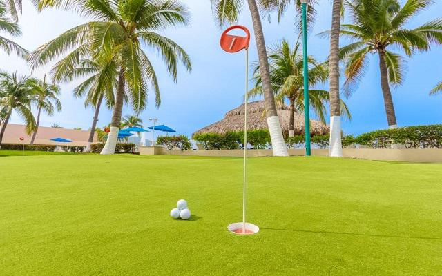 Posada Real Ixtapa, golf