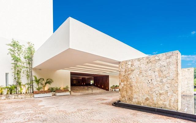 Presidente Intercontinental Cozumel Resort, personal capacitado para brindarte el mejor servicio
