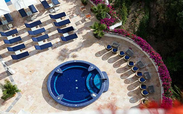 Grand Miramar Resort and Spa, ofrece suites con jacuzzi en la terraza