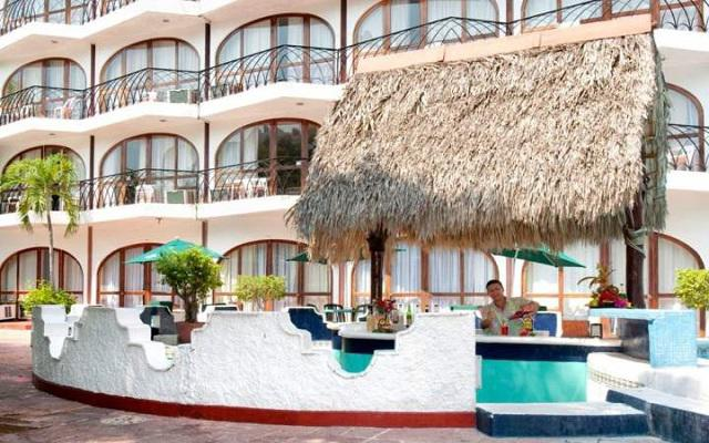 Hotel Real Bananas Acapulco Todo Incluido, Salsa Bar