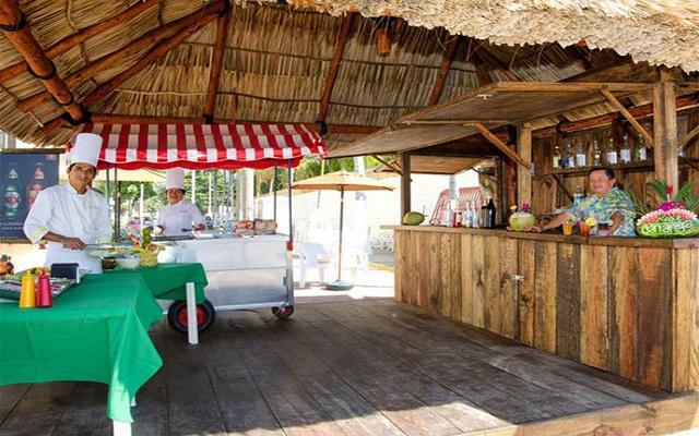Hotel Real Bananas Todo Incluido, ricas bebidas y snacks en el club de playa