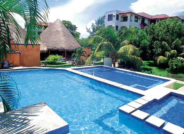 Alberca del hotel Real Playa del Carmen