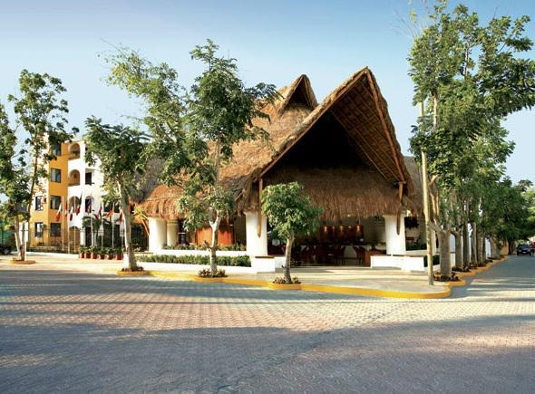 Fachada del hotel Real Playa del Carmen