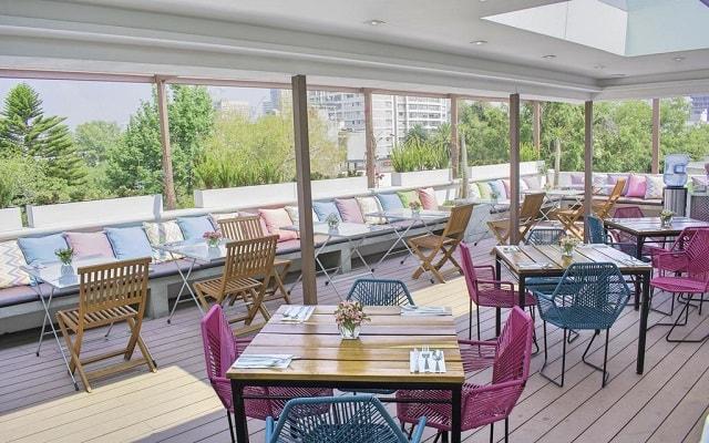 Residence L'Heritage Aristóteles 225 by BlueBay, disfruta de una buena vista en su terraza