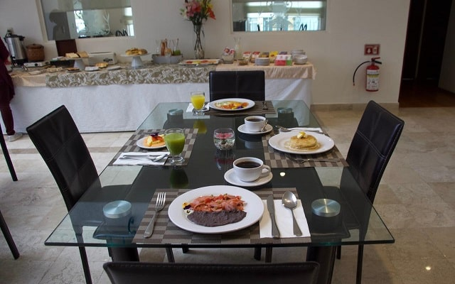 Residence L'Heritage Hipólito Taine by BlueBay, servicio de desayuno en cortesía