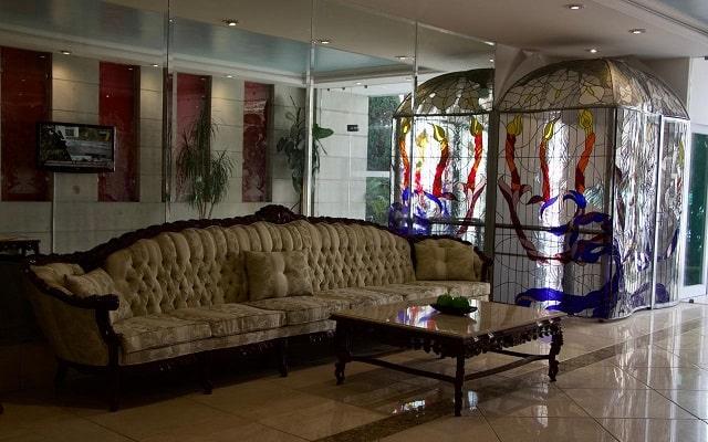 Residence L'Heritage Hipólito Taine by BlueBay, buen servicio